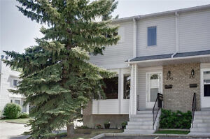 ~~Welcome to this Amazing unit Townhome~~4 B + 3 B~~