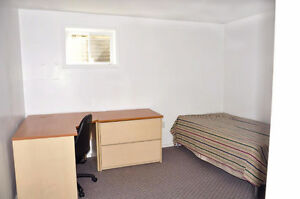 Sheridan College Room Rental - Minutes to Campus!