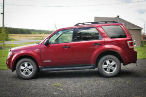 FORD ESCAPE 2008 •CUIR• XLT V6 AWD