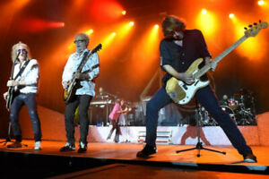 FOREIGNER / PINK FLOYD EXP. - GREAT FRONT ROW FLOOR SEATS !