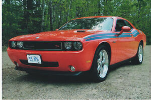 2010 Dodge Challenger R/T CLASSIC Coupe (2 door)
