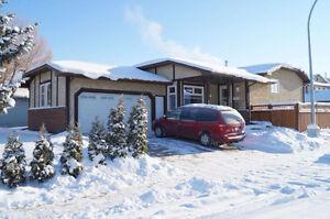 Beautiful Family Home In Bearspaw(Southwest Edmonton)