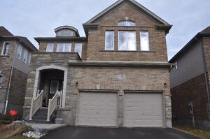 Beautiful and new 4bd/3.5wr house at Waterloo west for rent