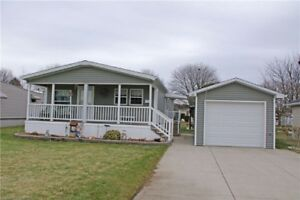 Spotless 1 Floor Home With 2 Bedrooms & A Garage!