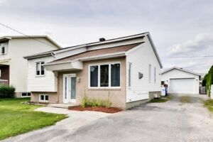 Multi-level property of 1035 sqft with garage