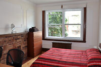 Furnished room on Queen Mary between the Snowdon metro & UdeM.