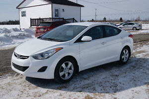 2013 Hyundai Elantra AUTO Sedan MAGS COME WITH IT