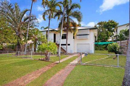 Beautiful Large Queenslander In A Central Location Castle Hill Townsville City Preview