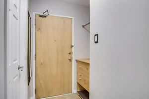 Renovated condo with 2 beautiful bedrooms, very bright. Must see Gatineau Ottawa / Gatineau Area image 3