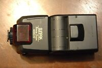 Lot of 2 Camera flashes for sale