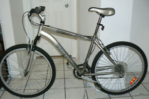 EXCELLENT LARGE Mountain Bike- FRONT SHOCKS-Upto 6 Feet