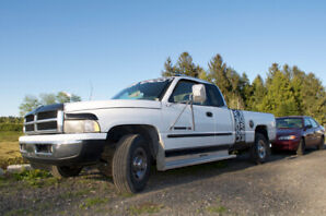 1998 Dodge Ram 2500 V10 - excellent condition