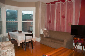 4 Bedroom House Steps From Campus (8 or 12 month lease) Kingston Kingston Area image 5