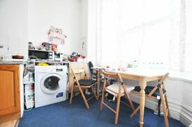 Studio flat in West Green Road, London, N15