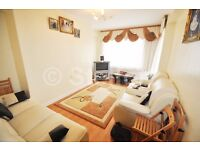 Massive 3 bedroom flat is located within nice neighbourhood and moments' walk to Old Street tube