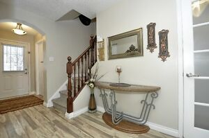 Beautiful 3 Bed 2 bath with Finished Basemnt House For Sale Cambridge Kitchener Area image 4