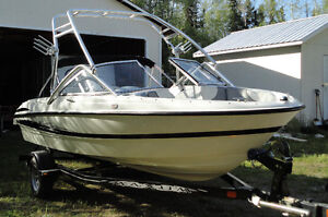 18' Bowrider with Tower and Swimming Platform