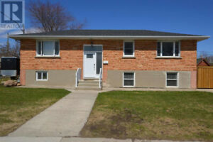 3 BEDROOM UPPER LEVEL OF HOUSE for SEPTEMBER 1.