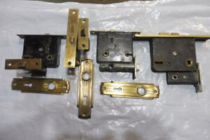 VINTAGE DOOR LOCK SETS-4