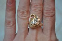 14K Gold Tri-Coloured Swan Ring - Size 7