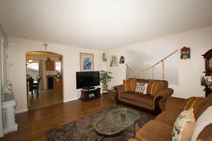 PET FRIENDLY HOUSE WITH DOUBLE GARAGE IN LEDUC FOR $1695