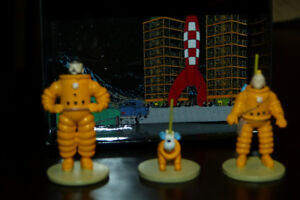 tintin set of 3 metal figurines, space suit moulinsart 2012