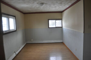 Mount Pleasant Ave. East, Top Floor 2 Beds, $740 h/l included