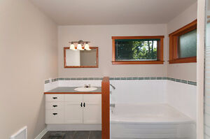 Beautifully crafted island getaway on Cates Hill North Shore Greater Vancouver Area image 6
