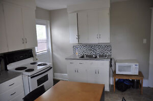 3 chambres tout fourni / 3 bdroom fully furnished - avail Sept 1