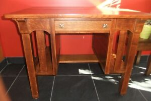 Antique Mission / Arts and Crafts Oak Desk