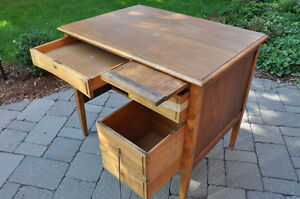 Vintage Students wooden desk $40 Cambridge Kitchener Area image 4