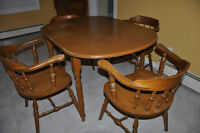 Dining room set, with hutch, Colonial style