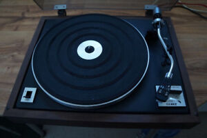 EDS 15S MK II vintage turntable. Made by C.E.C. (Japan).