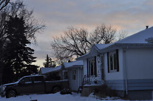 Looking for 2 roomies to share house in Douglas park area Regina