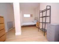 Budget single/twin rooms close to city centre available 1st to 12th August