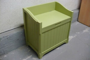 Deacons Bench Small Green Storage CLEAN Used Indoor Kids Hall