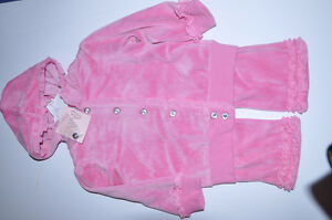 Baby girl pink velure beautiful 2 pcs suit. Very cute. Brand new