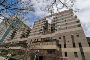 **Location** Between old Port and Quartier des Spectacles