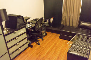 Room/Office Available (live/work)