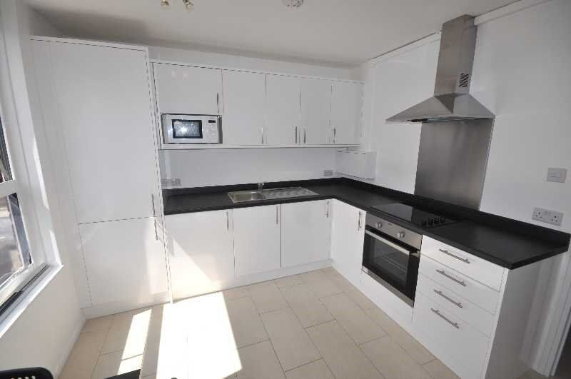 **BILLS INCLUDED** Newly Refurbished, 4 Double Rooms, Fitted Kitchen, Close to Edgeware Rd High St,