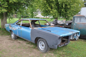 1968 Road Runner Body with Parts