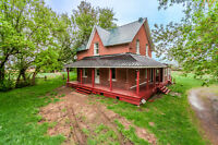 Country house with acreages