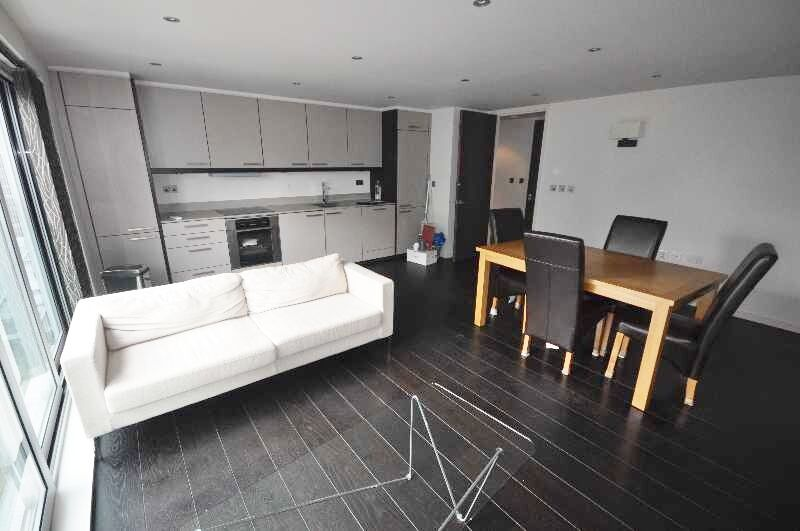 *NO ADMIN FEES FOR TENANTS - Brilliant one double bedroom apartment fitted kitchen family bathroom*