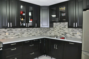 BACK SPLASH AND FLOORING INSTALLER