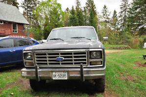 1980 Ford 4x4 F150 straight 6