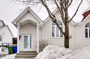 Semi-detached located in a dead at only 2 min from Highway 50