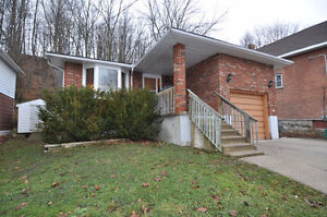 976 4th Avenue West, Owen Sound, $199,900
