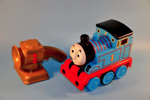 THOMAS AND FRIENDS Follow Me Light Up Talking Toy RC Train