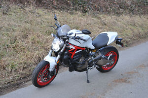 2015 Ducati Monster 821Impecable bike