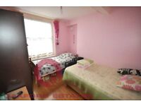 A Spacious 3 Bedroom By Caledonian Road Station!!!